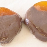 Chocolate Dipped Large Apricots