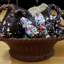 Edible Gourmet Chocolate Basket Large