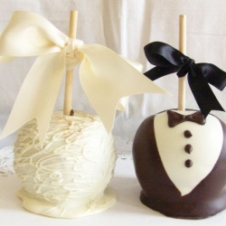 Gourmet Apple Bride and Bridegroom